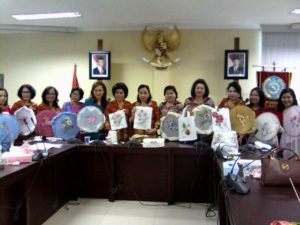 fabric painting class in indonesia