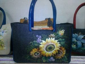 tas lukis bahan jeans denim pakai cat tekstil mm